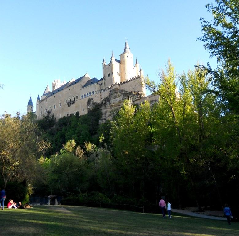Segovia. Alcázar desde pradera de San Marcos