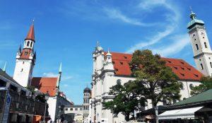 Múnich. Viktualienmarkt. Iglesias de San Peter y Hl.Geis