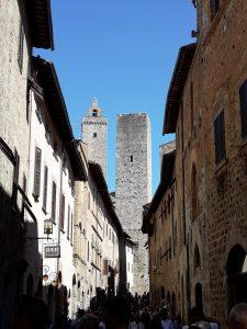 San Gimignano. Via San Giovani
