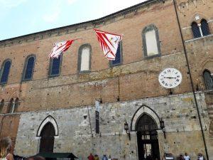 Piazza del Duomo en día de Palio