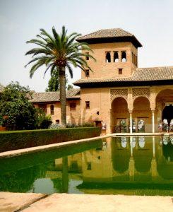 Granada. Alhambra. Torre de las Damas y jardines del Partal.