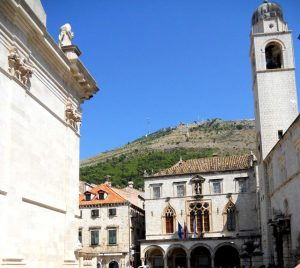 Dubrovnik. Palacio Sponza y Torre del Reloj