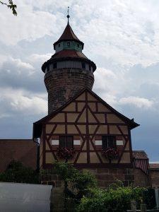 Nuremberg. Castillo Imperial. Torre y Pozo