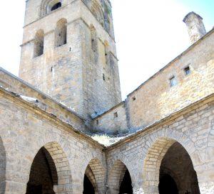 Aínsa. Claustro de Santa María