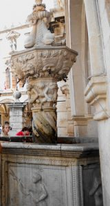 Dubrovnik. Pequeña Fuente de Onofrio