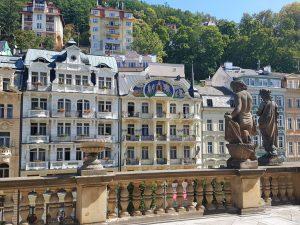 Karlovy Vary. Terraza Fuente del Molino