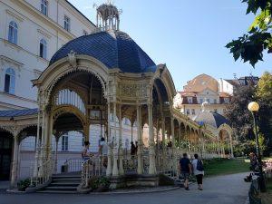 Karlovy Vary. Fuente Snake Spring