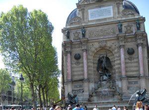 París. Barrio Latino. Plaza de Saint Michel.