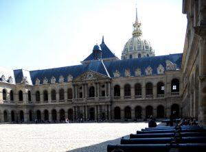 París. Hôtel de los Inválidos. Patio de Armas.