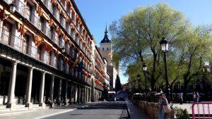Toledo. Plaza Zocodover, cuesta de Carlos V y Alcázar.