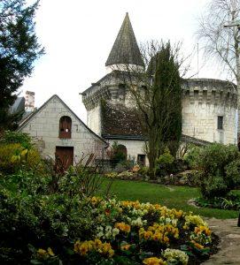 Loches. Maison Lansyer. Jardín.