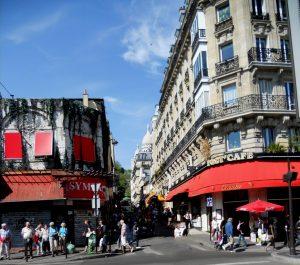 París. Salida del metro en Anvers-Sacré-Coeur. Rue de Steinkerque