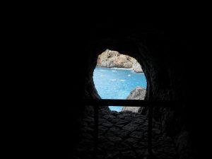 Mallorca. Camino a Sa Calobra. Túnel.