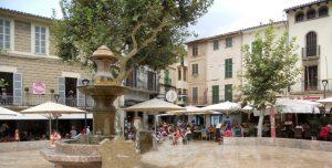Mallorca. Sóller. Plaza Constitución.