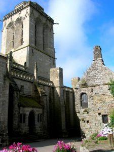 Bretaña. Locronan. Iglesia de San Ronan.