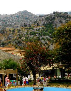 Kotor. Iglesia Ntra.Sra. La Salud y Castillo de San Juan