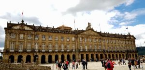 Santiago. Plaza del Obradoiro. Palacio Raxoi.