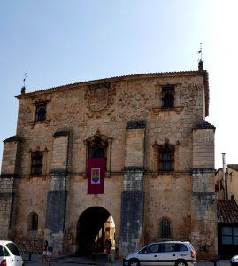 Covarrubias. Arco del Archivo del Adelantamiento de Castilla.