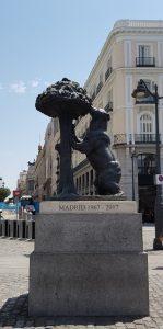 Madrid. Puerta del Sol. Oso y el Madroño