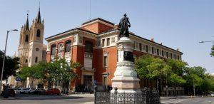 Madrid. Real Academia de la Lengua e Iglesia de los Jerónimos.