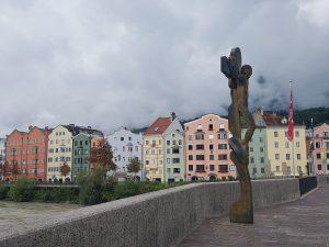 Innsbruck. Puente (bruck) sobre el río Inn.