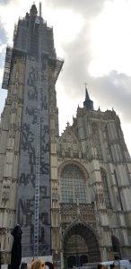 Amberes. Handschoen Markt. Catedral de Nuestra Señora.