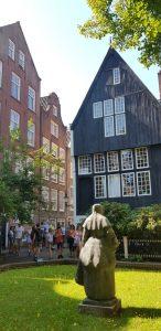 Amsterdam. Begjinhof.
