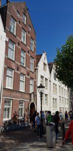Amsterdam. Entrada al Begjinhof.