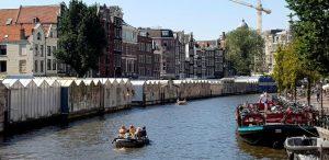 Amsterdam. Canal Singel. Mercado de las Flores.
