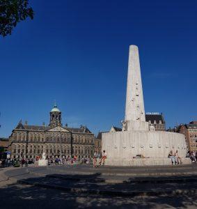 Amsterdam. Plaza Dam. Monumento Nacional a la Liberación