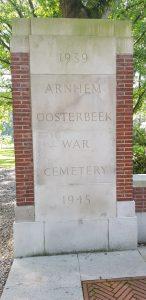 Arnhem. Osterbeek.  Memorial Británico