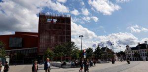 Brujas. Plaza Zand. Concertgebouw.