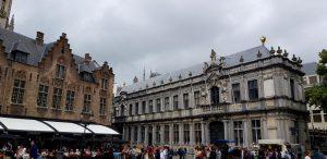 Brujas. Plaza del Burg. Palacio del Prebostazgo.