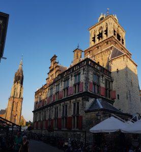 Delft. Ayuntamiento y Nieuwe Kerk