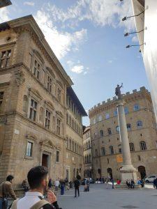 Florencia. Piazza Santa Trinitá