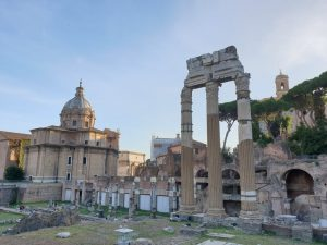 Roma. Foro Romano desde la Via de los Foros Imperiali
