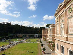 Vaticano. Museos Vaticanos. Pinacoteca. Patio cuadrado