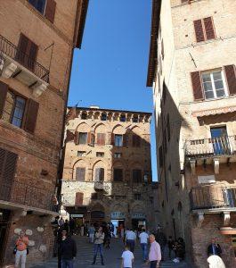 Siena. Calle de Costa Barbieri