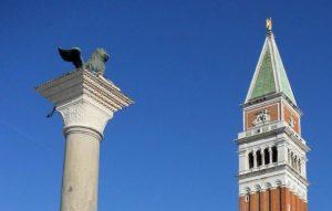 Venecia. Columna con el León de Venecia.