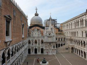 Venecia. Palacio Ducal. Patio