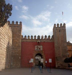 Sevilla. Alcázar de los Reyes Católicos. Puerta del León.