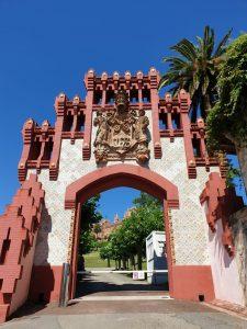 Comillas. Puerta de acceso a la antigua Universidad Pontificia,